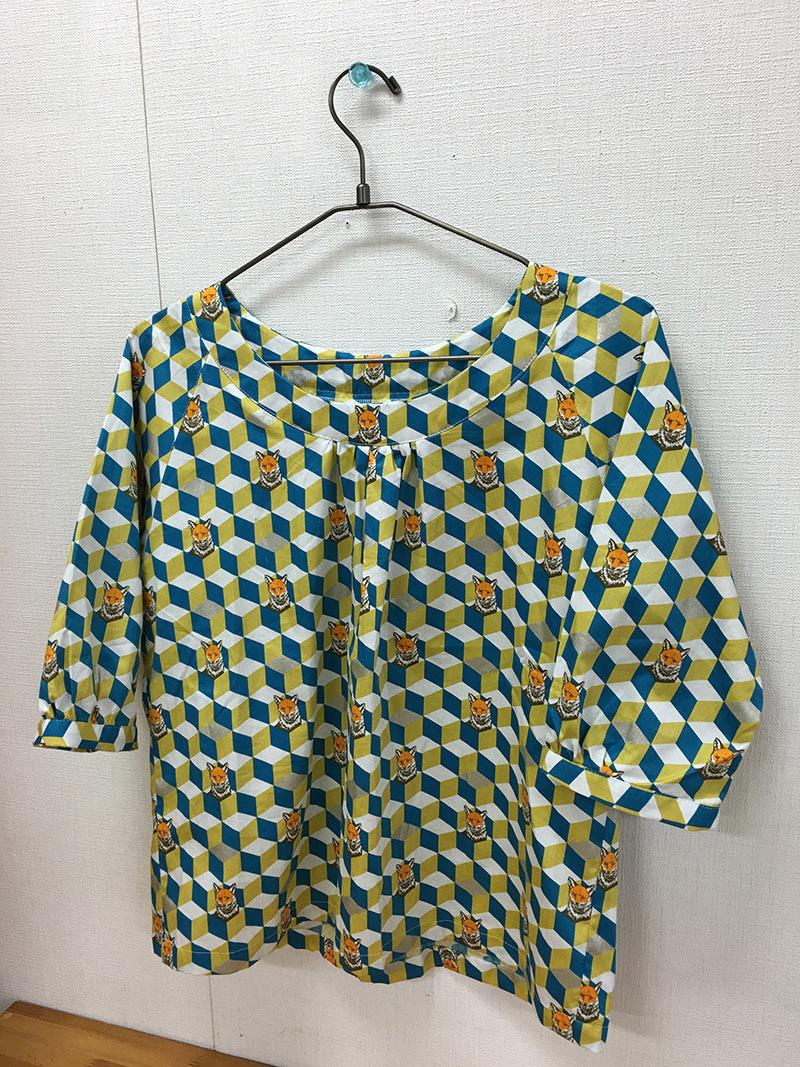 cs132_raglan_blouse